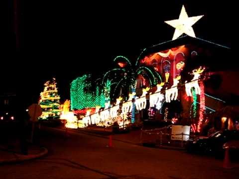 Late Al Copelands Christmas Light Display - Late Al Copelands Christmas Light Display - YouTube
