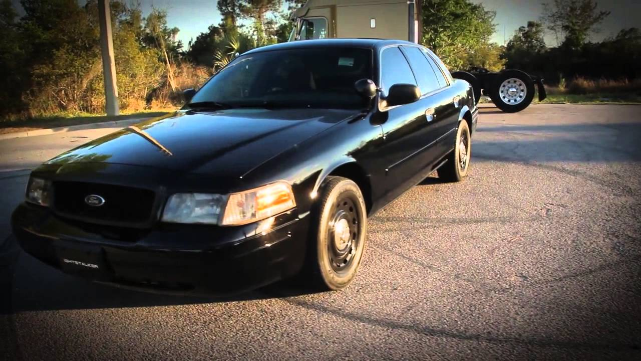 2005 ford crown victoria p71 police interceptor carbon doovi. Black Bedroom Furniture Sets. Home Design Ideas