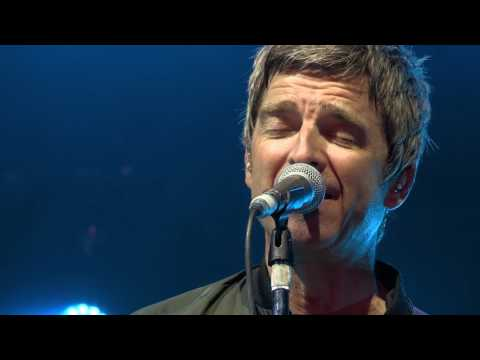 Noel Gallagher's High Flying Birds // Don't Look Back in Anger // Kendal Calling 2016