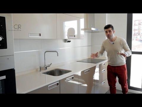 Cocina moderna color Capuchino y Arena Cocinas Santos