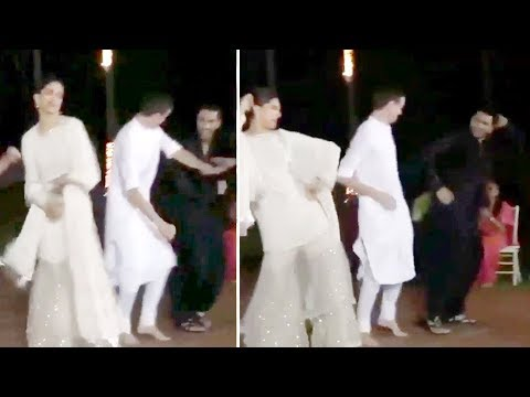 Deepika Padukone & Ranveer Singh Dance On Ghoomar Song From Padmavati