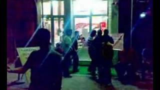 Dream Net Cafe Önünde Uzun Eşşek