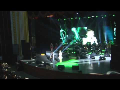 K POP 장윤정 첫사랑 중국어 버전 중국 대련 콘서트 장면