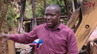Enkaayana ku ttaka: Waliwo abalumiriza Kasirye Ggwanga okubookera tractor thumbnail