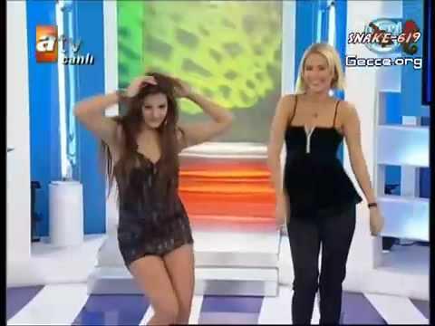Sexy Albanian Girl Dancing To Hadise Düm Tek Tek