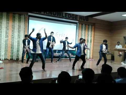 ||Comedy group dance|| funny college act|| best comedy performance || funniest group skit || SKH ||