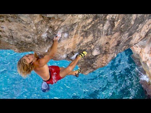 Chris Sharma's Most Spectacular Climb! 7 Foot Dyno Over The Ocean