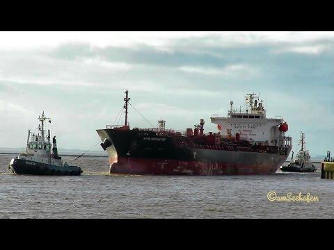 chem tanker MTM GIBRALTAR 9V9575 IMO 9282924 inbound Emden with 2 tugs cargo seaship