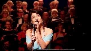 "Mercedesz Csampai sjunger ""En Kort En Lang""/ Lisa Nilsson"