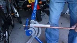 Bakır boru bükme nasıl. 15 veya 22 mm bakır boru. Pahalı parçaları üzerinde para kazanmak.