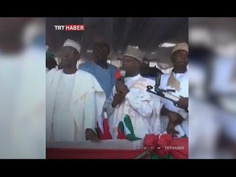 Nijerya'da, kampanya konuşması sırasında platform çöktü