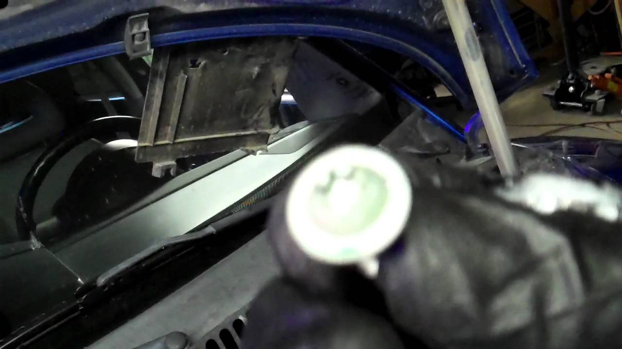 How to replace you Beatle Radiator Fan Volkswagen VW BUG - YouTube