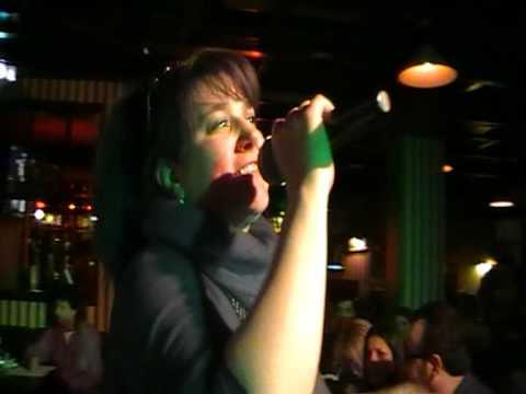 "Karaoke Match - Finale - Alice Felicia Salerno canta ""Calore"""