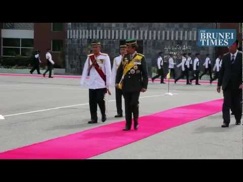 HM officiates at Sovereign's Parade for OCS's 7th intake