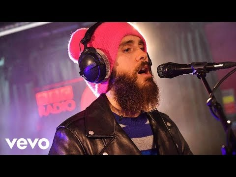 Thirty Seconds To Mars - Walk On Water in the Live Lounge