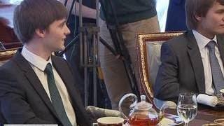 Путин встретился с победителями Олимпиады по программированию