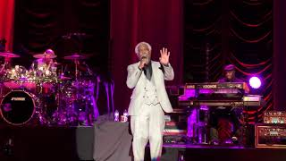 Download Billy Ocean - Caribbean Queen (No More Love On The Run) (Live) Mp3 and Videos