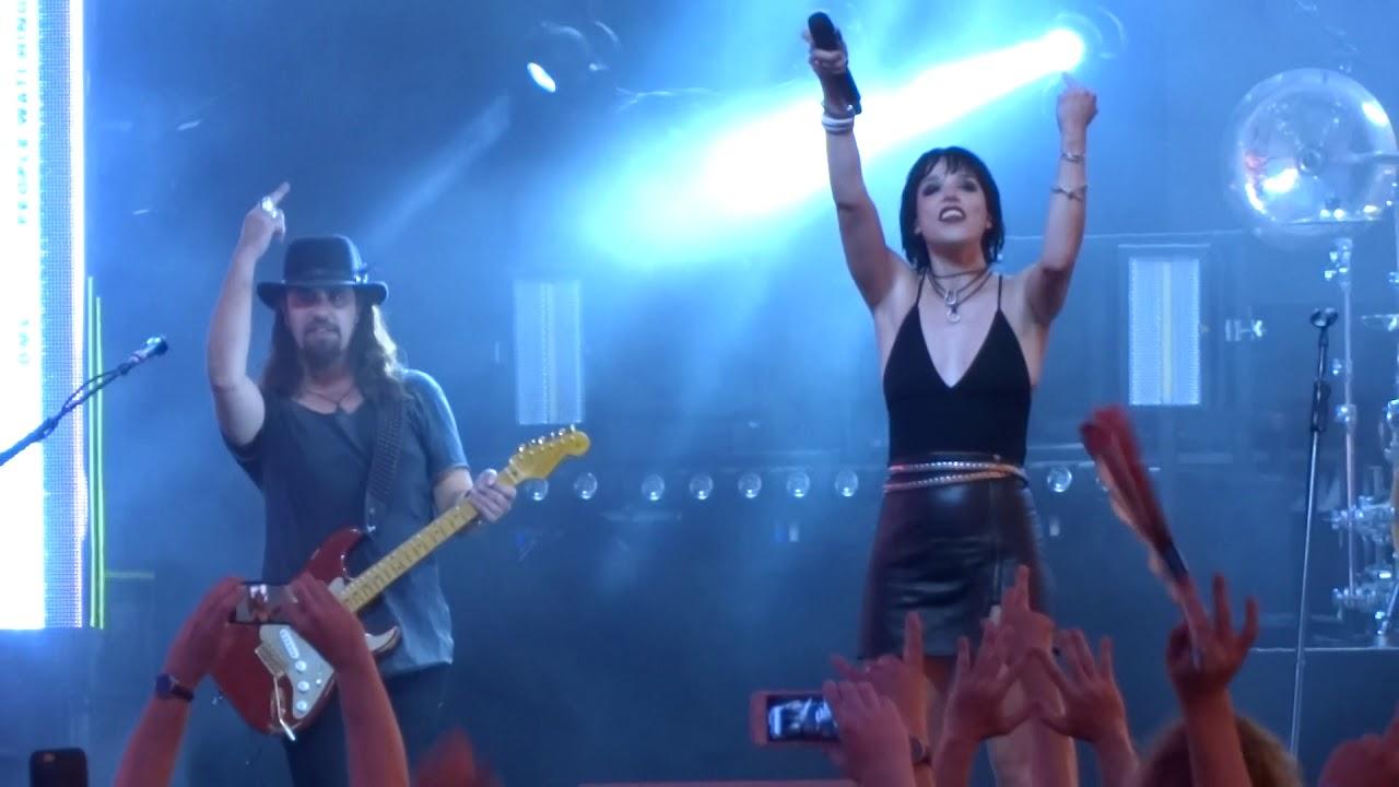 "Halestorm – ""Here's to Us"" (Live in Las Vegas 8-25-18)"