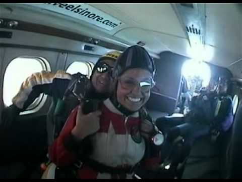 Kinga Philipps and friends go skydiving