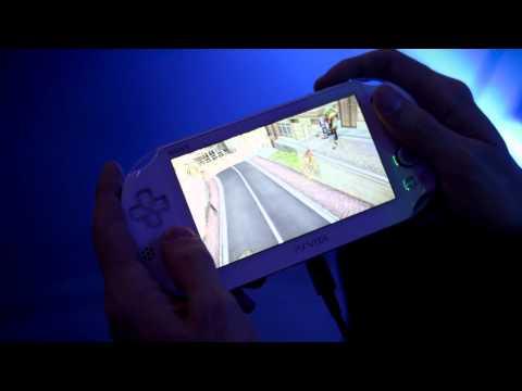 PlayStation Vita PCH 2000 Joystiq TGS 2013 Hands On)