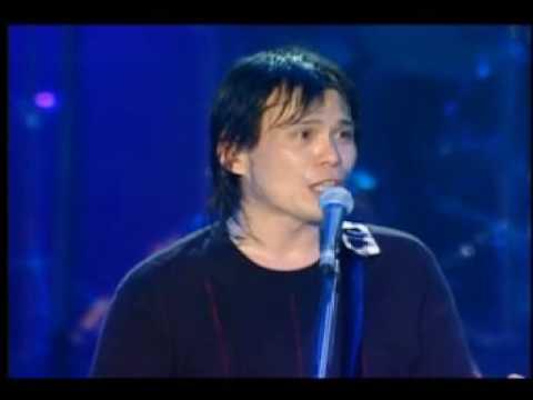 Wubai - Shi Jie Di Yi Deng (live)