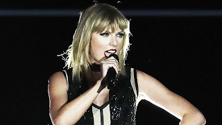 Taylor Swift Super Bowl Performance -