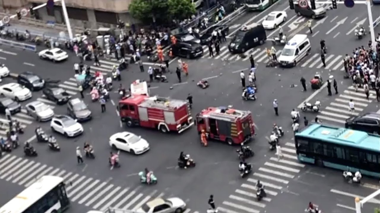 3 killed, 10 injured in E China car accident - YouTube