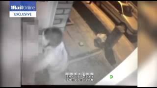 مجهول يحاول أغتصاب فتاة أمام باب منزلها وصديقها ينقذها فى أخر لحظة (فيديو)