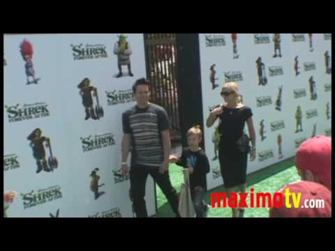 """Mark Hoppus and Family at """"SHREK FOREVER AFTER"""" Los Angeles Premiere May 16, 2010"""