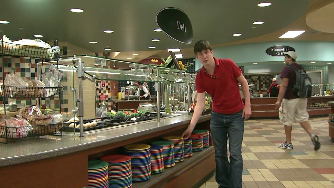 Trayless dining at illinois state university youtube for Watterson dining