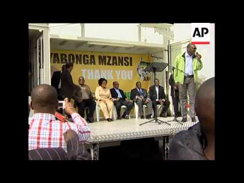 President Zuma takes Soweto bus tour to thank electorate for voting ANC