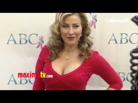 Lisa Ann Walter ABCs Mother's Day Luncheon 2013 Red Carpet ARRIVALS @lisaannwalter Travel Video