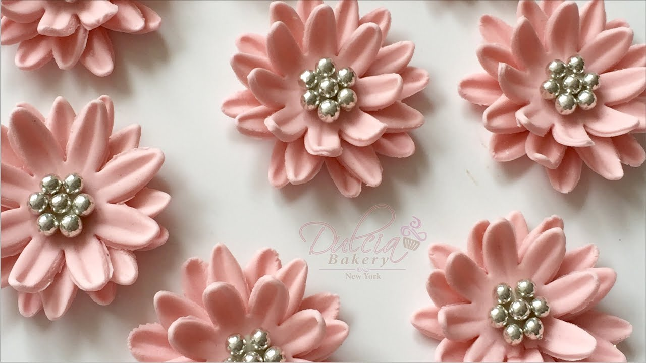 How To Make Daisies With Fondant Youtube