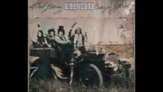 Neil Young and Crazy Horse - High Flying Bird