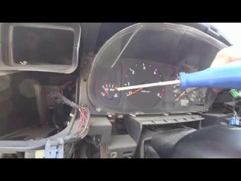 Приборная панель Opel Frontera B как снять