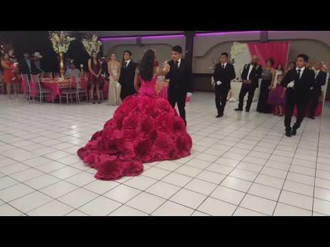 Vals todo Cambio Camila choreographer Oliver López