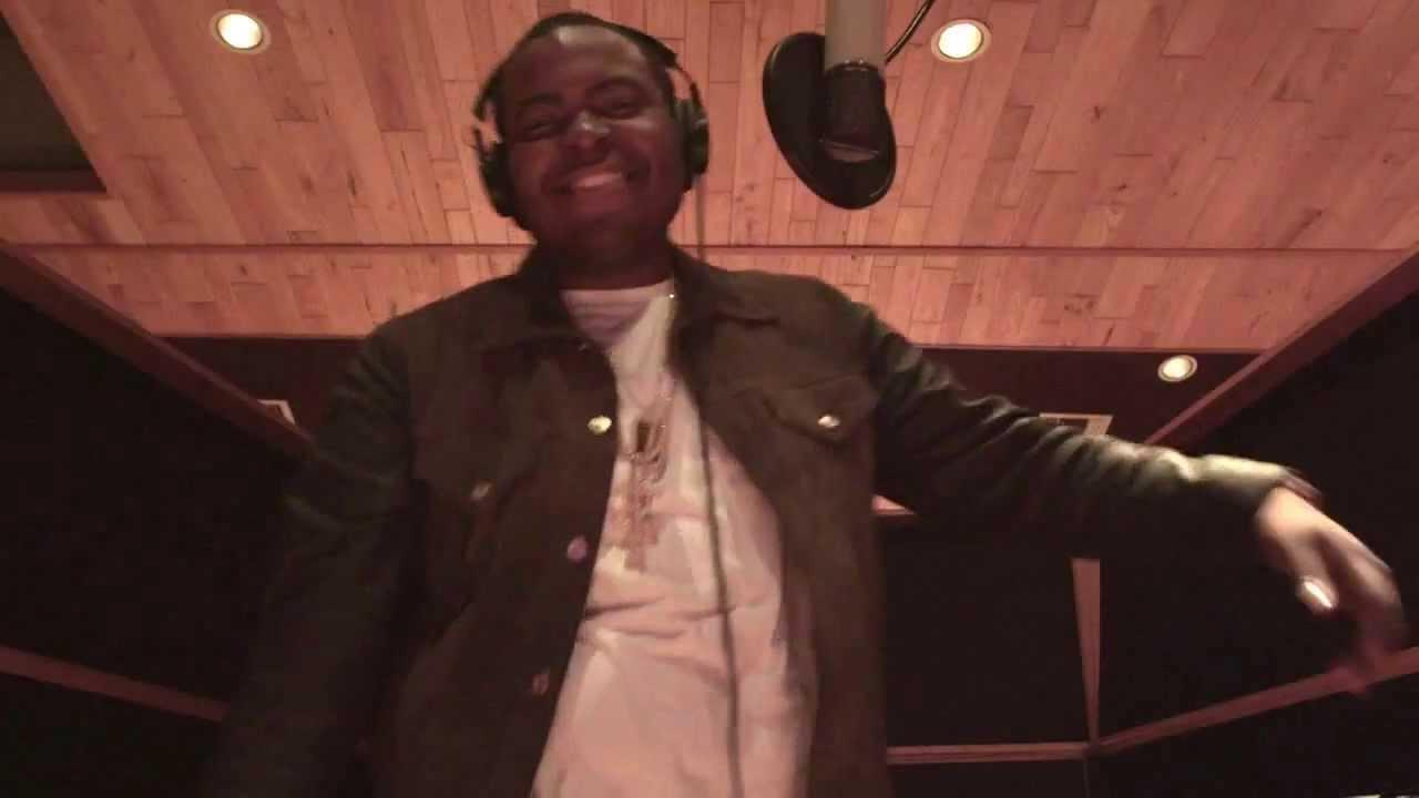 Chris Brown x Sean Kingston x Wiz Khalifa - Beat It ...
