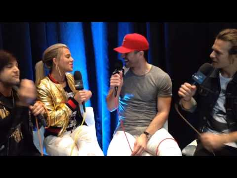Sam Hunt With The Band Perry  Backstage At The ACM Awards®