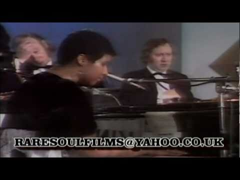Aretha Franklin & King Curtis- Bridge Over Troubled Waters.Rare Live TV Performance 1971