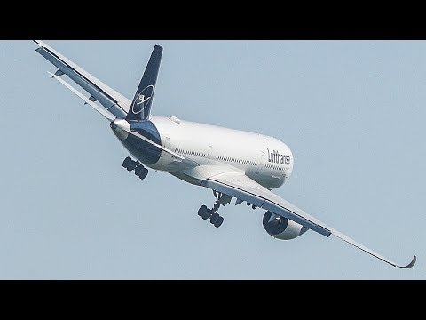 Lufthansa AIRBUS A350 Air SHOW with a WING WAVE (4K)