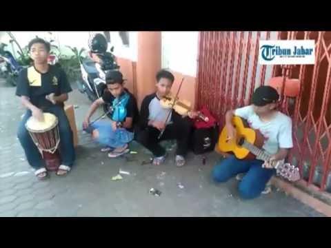 Ini Dia Cover Version Viva La Vida Coldplay ala Plago Anak Jalanan Kota Bandung