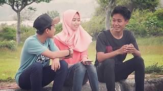 Mp3 BAPER MENYENTUH HATI-KEKASIH BAYANGAN-FILM PENDEK-BANGMINO
