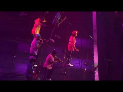 Bruno Mars UPTOWN FUNK- Grand Finale in Montreal at the Bell Center Aug 29, 2017