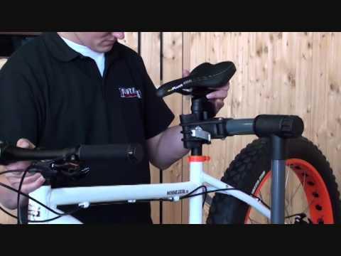 fahrradmontagest nder montagest nder fahrrad in action. Black Bedroom Furniture Sets. Home Design Ideas