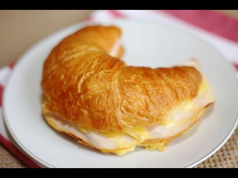 Breakfast Recipe : Smoked Chicken Breast & Cheese Croissant