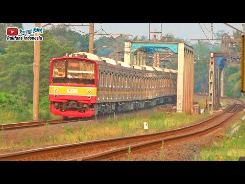 Sore~Kereta KRL Melintasi Jembatan Baja Beton