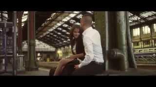 Смотреть клип Jennifer Dias - Reste Avec Moi