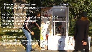 Grüß GöttIN vor der Johanneskirche | Performance GenderBox.onetwothree