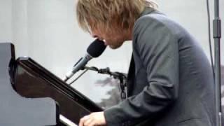 Thom Yorke live @ Latitude 2009 - The Eraser