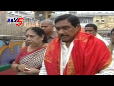 AP Deputy CM KE Krishnamurthy Visits Jyotirlinga Temple With Family | Srisailam | TV5 News